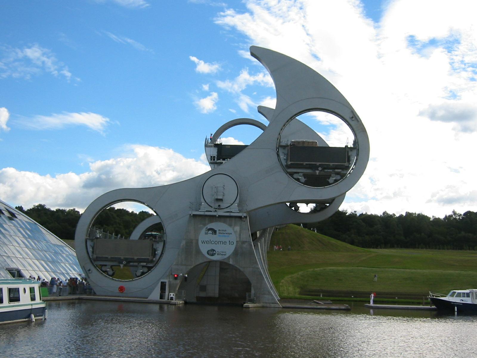 Falkirk Wheel – ein Lift fuer Boote