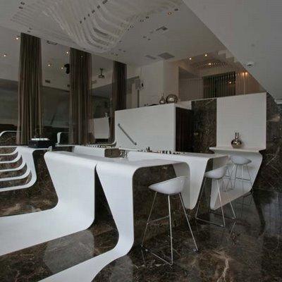 Welle im Cafe