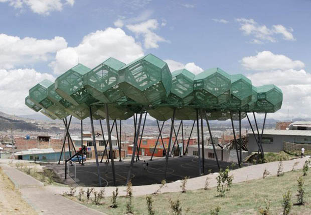 Polyeder als gebaute Raumstrukturen